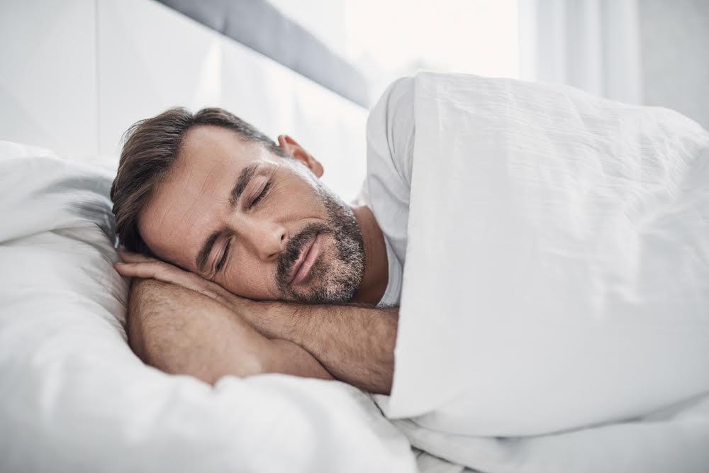 Riittävä uni miehelle on tärkeätä!